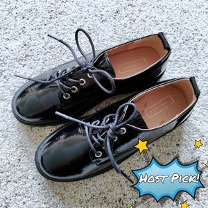 *NWT* Black Platform Shoes Size 6 1/2